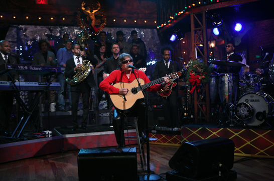 "Video: Jose Feliciano Performs ""Feliz Navidad"" On Jimmy Fallon"