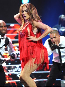 Video: Jennifer Lopez iHeartRadio 2011 FULL Live Performance of Papi, Jenny from the Block, Get Right and Many More