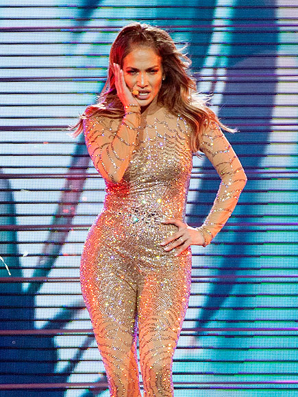 Video: Jennifer Lopez Breaks Down over Marc Anthony During Concert