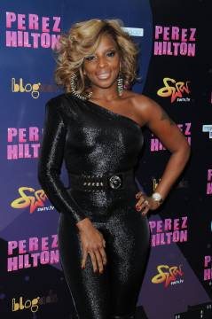 Video: Mary J Blige Performed At Perez Hilton's One Night In New York City