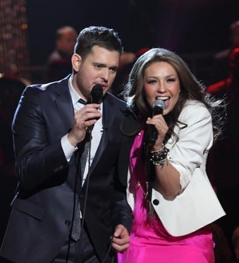 WorldView Video: Thalia Performs 'Feliz Navidad' With Michael Buble
