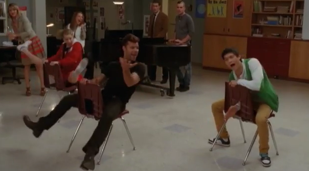 "GLEE - Sneak Peek: ""The Spanish Teacher"" with Ricky Martin"