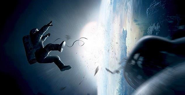 Dos Lives Invites you to 'Gravity' Advanced Screening