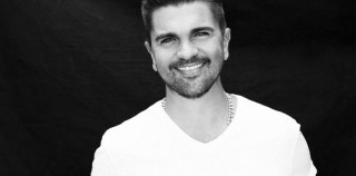 "Juanes Announces The December 16th Release Of ""La Luz"""