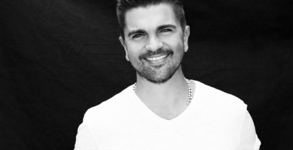 UNIVERSAL MUSIC LATIN ENTERTAINMENT JUANES